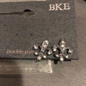 NWT Fleur de Lis Earrings